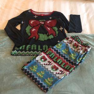 Other - 🌷🌸3/$10🌷🌸 Christmas PJ Set